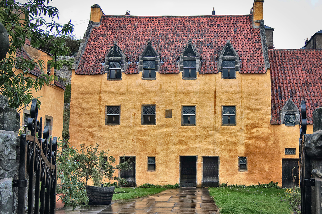 Culross-3-Castle.jpg